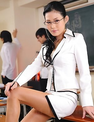 Free Asian College Pics